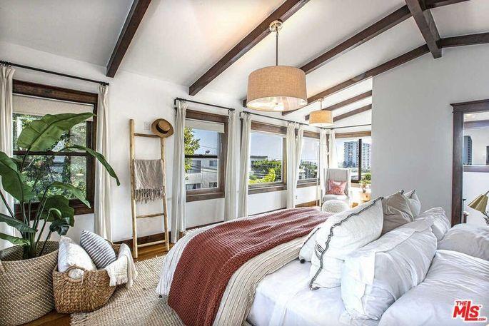 Upstairs master suite with ocean views