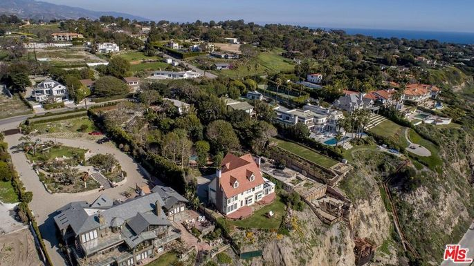 Another view of the Malibu, CA, mansion