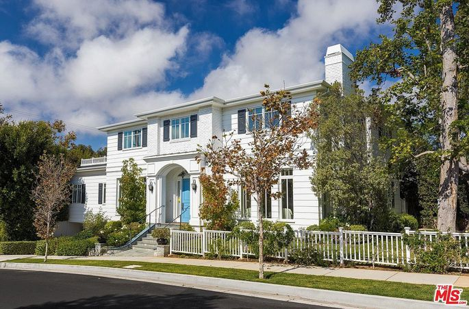 Kevin Nealon's Pacific Palisades home