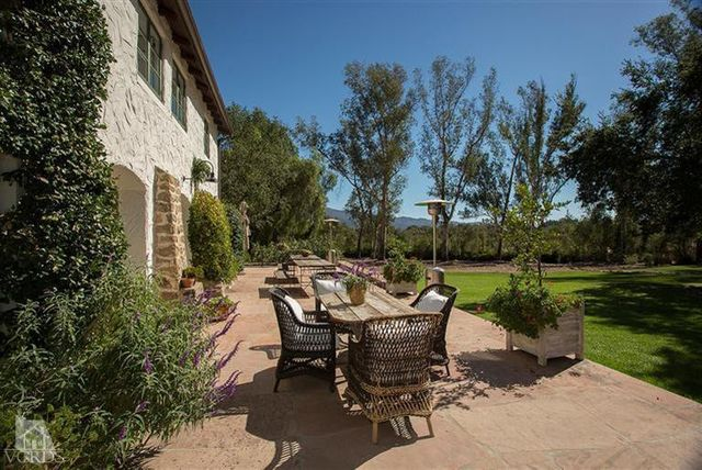 reese-witherspoon-sells-ojai-ranch-15