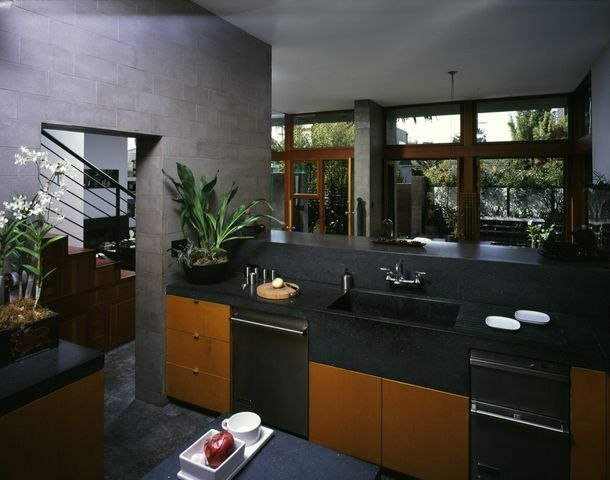 Kitchen counters are made of Syndecrete Surfaces, which Hertz created himself