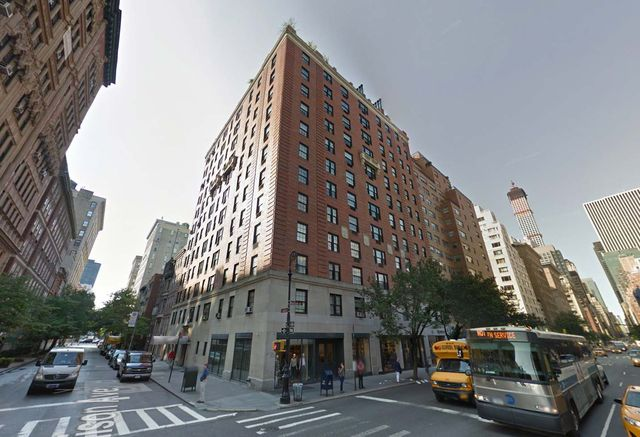 Roger Sterling's apartment