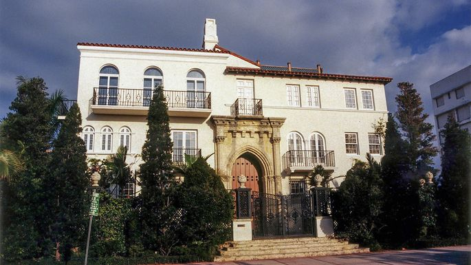 Gianni versace mansion did 39 american crime story 39 get it for Gianni versace home