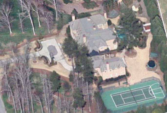 R. Kelly's mansion on Old Homestead Trail