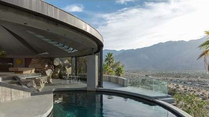 In Need of a Savior, Iconic Elrod House in Palm Springs in Foreclosure