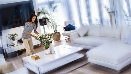 Home Staging in a Hurry: Hacks to Spruce Up a Space in 5 Minutes