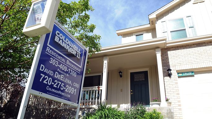 Existing Home Sales Rise in March but Lag Last Year's Levels