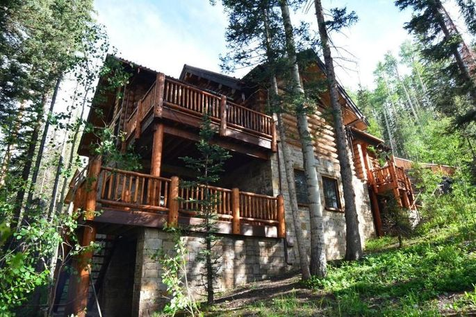 This Cabin Near Telluride Is A Ski In, Ski Out Property.