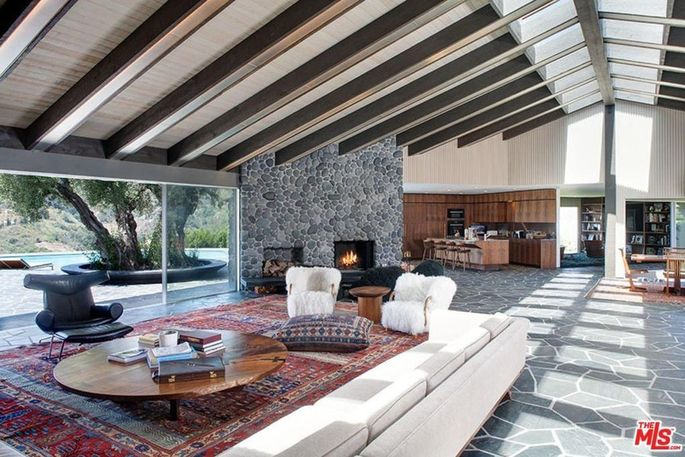 Adam Levine's Beverly Hills bachelor pad