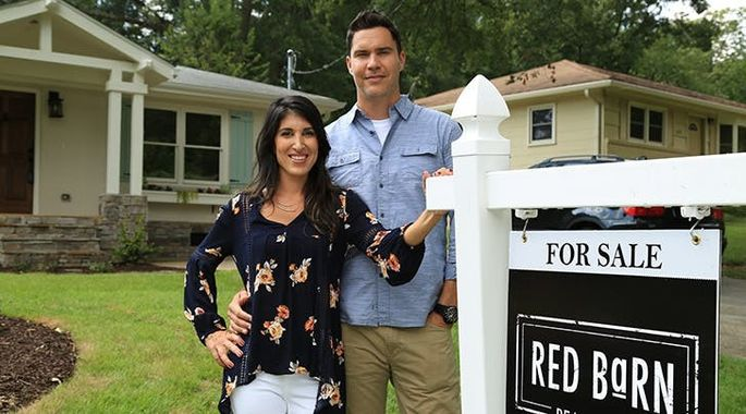 f264ea2ae3ea  Flip or Flop Atlanta   Can This Married Duo Out-Renovate Tarek and  Christina El Moussa
