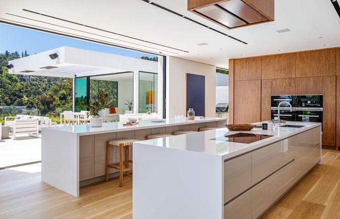 Dual-island kitchen