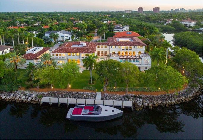 Marc Anthony's waterfront home