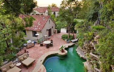 Katy Perry and Russell Brand Buy New Home in the Hollywood Hills (PHOTOS)