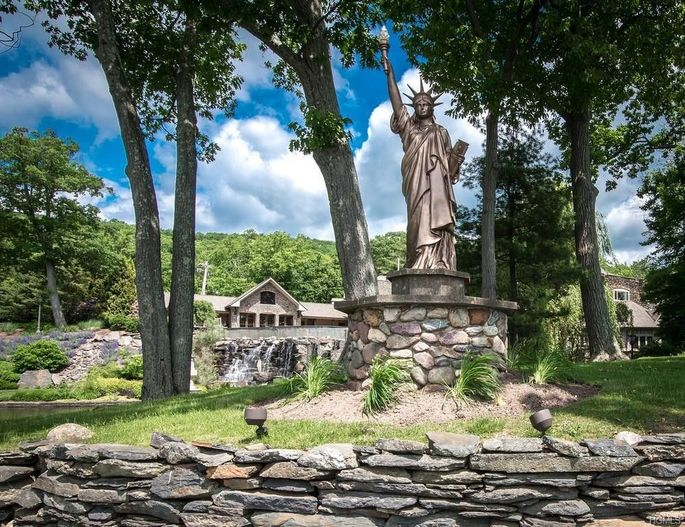 The former New York Yankee has a replica of the Statue of Liberty sitting in his yard.