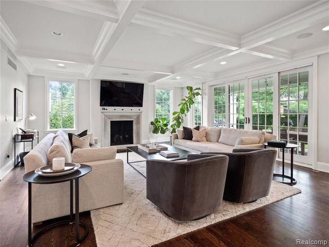 Nyquist living room