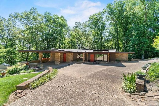 Girardeau, MO mid mod house exterior