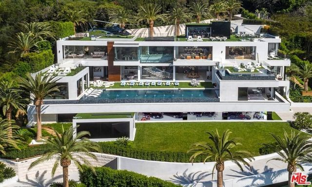 """The 38,000 square foot, $188 million dollar mansion known as """"Billionaire."""""""