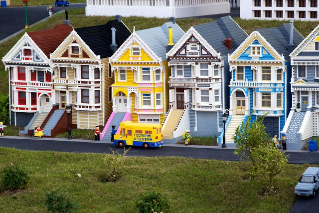 Could you build a real lego house what would it cost for Cost to build a house in florida