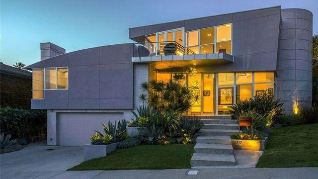 Revamped Modern Masterpiece in Manhattan Beach on the Market for $5.2M