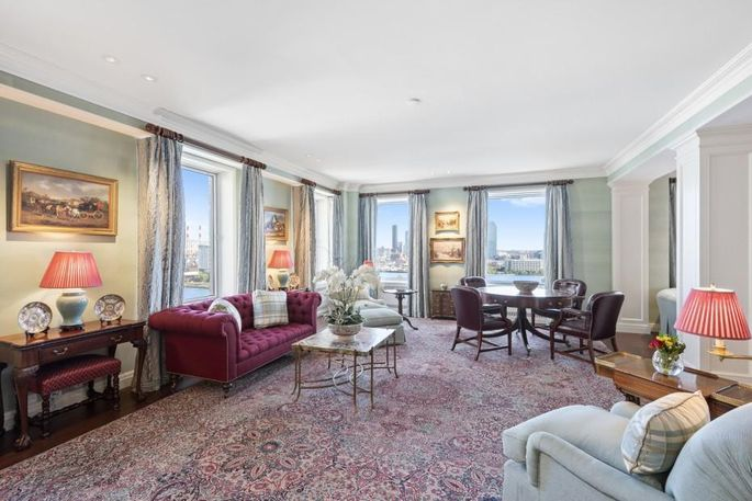 Great room of Jeremy Jacobs' Manhattan apartment