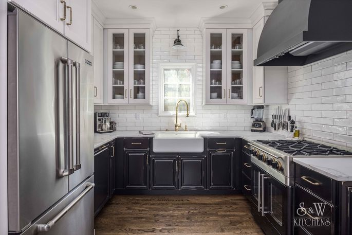 Best Kitchen Remodel This Remodeled Boasts The Por Farmhouse Trend