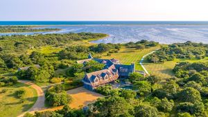 Done Deal! Peek Inside the Obamas' New Luxe Martha's Vineyard Mansion