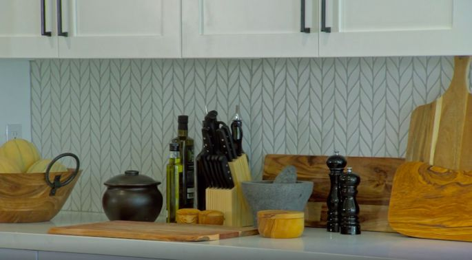 We can tell why Christina Anstead loves this backsplash!