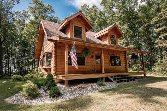 log cabin in Columbia City, IN