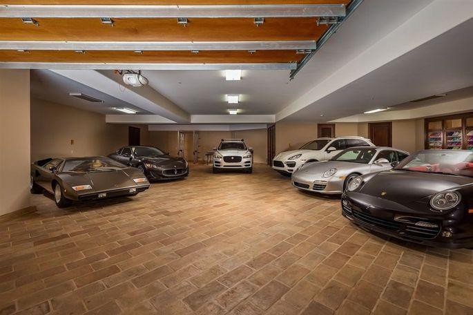 14-car garage