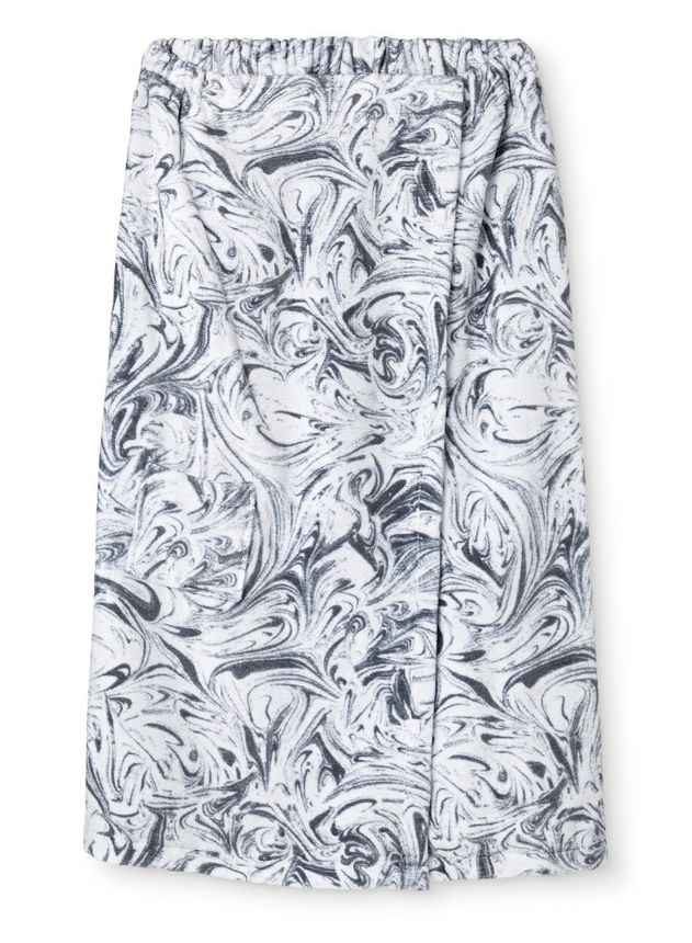 This stylish bath wrap is available in four different prints.