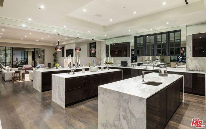 Open kitchen with three islands