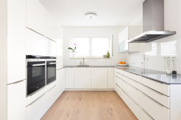 Is Laminate Flooring Right for You? The Pros and Cons of This Hardwood Alternative