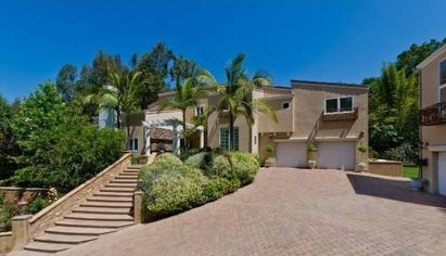Leona Lewis lists Hollywood Hills Home for $2.5 Million (PHOTOS)