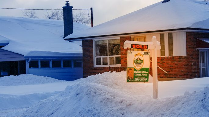 sell-house-in-winter