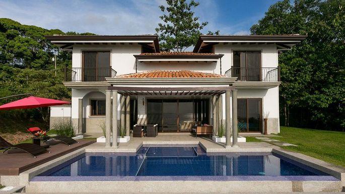 Home near Dominical Beach