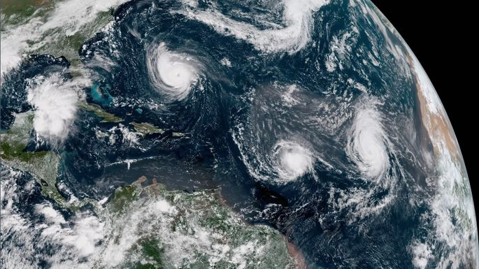 Hurricane Florence threatens to snarl travel across Mid-Atlantic states
