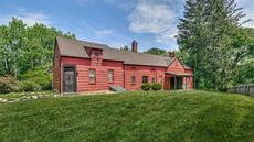 Long Island's Peace and Plenty Inn From 1680 Is the Week's Oldest Home