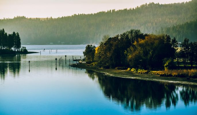 The natural beauty of Coeur d'Alene, ID, makes it a hot spot for celebrities—and retirees.