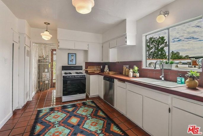 Marc Maron S L A House And Garage Now Listed For 749k