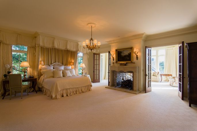 Master suite in Kentucky's most expensive house