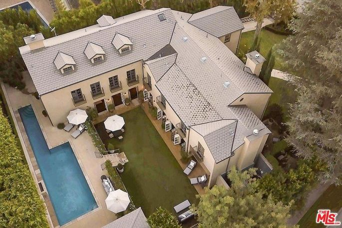 Shonda Rhimes has reportedly sold her home in Hancock Park, L.A.