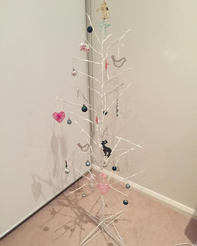 move over charlie brown christmas tree
