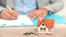 Mortgage Rates Hit a 12-Month Low as Signs of Economic Slowdown Dog the Housing Market
