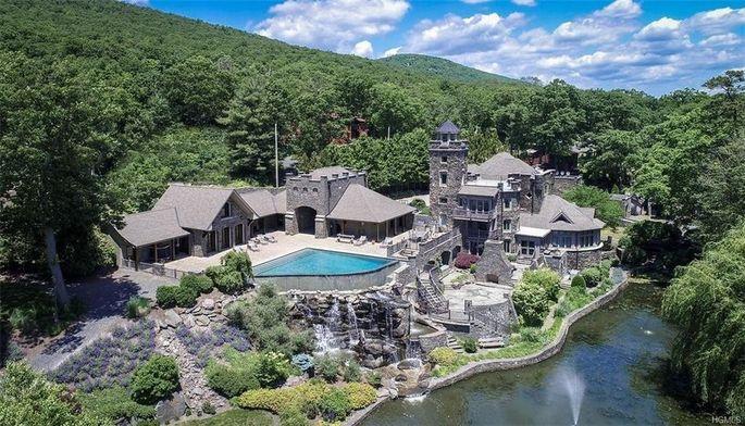 Derek Jeter has owned Tiedemann castle in Greenwood Lake, NY, since 2005.