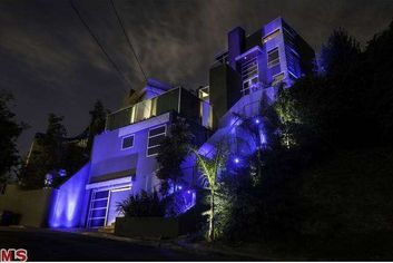 Chris Brown Chops Price on His Graffiti House