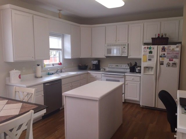 """The Lightners' kitchen before our """"Get This Look""""makeover"""