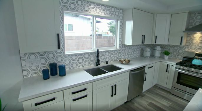 This backsplash looks pretty good, even though it's not El Moussa's first choice.