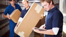 Flat-Rate Movers vs. Hourly Movers: Which One Saves More Money?