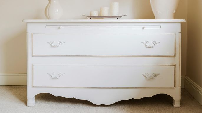 Colonial style dresser