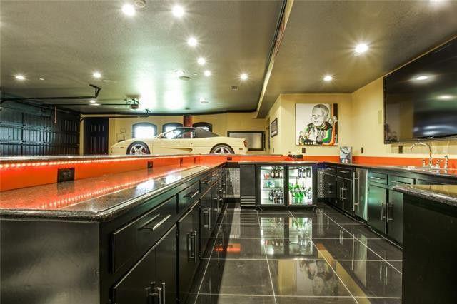 Wet bar in the garage